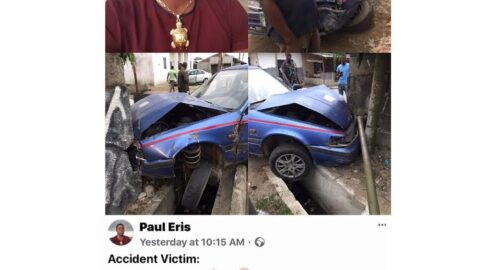 Man apologizes to a cabbie who rammed into his fence and electric pole, because he could only raise N50k to assist him in fixing his wrecked car. [Swipe]