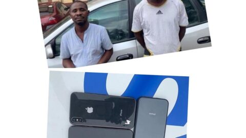 Police Net nabs two fake iPhone sellers .