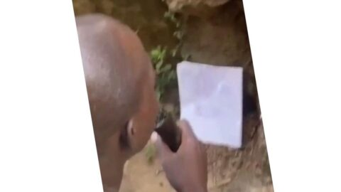 Man approaches 'Orunmila' to help him recover his money from a fr*duster in Ibadan, Oyo State. [Swipe]