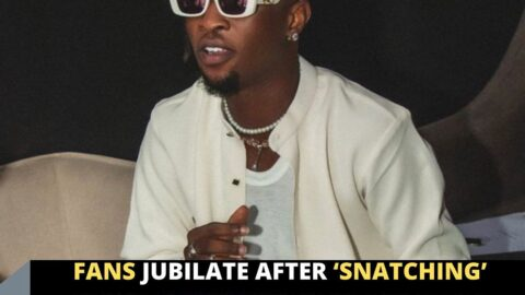 Fans jubilate after 'snatching' singer Laycon's eyeglass at an event in Ekiti State
